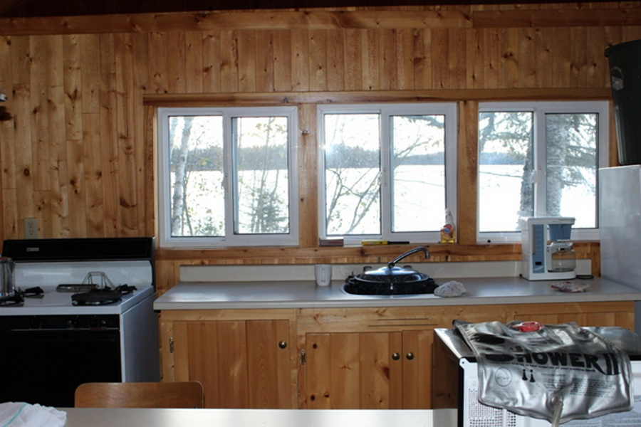 South Bay Outpost cabin on Confederation Lake