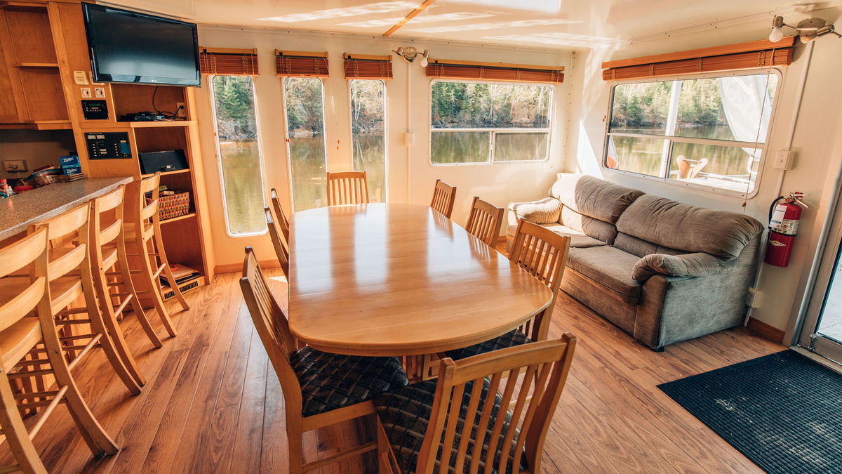 Interior of the 68' houseboat rental