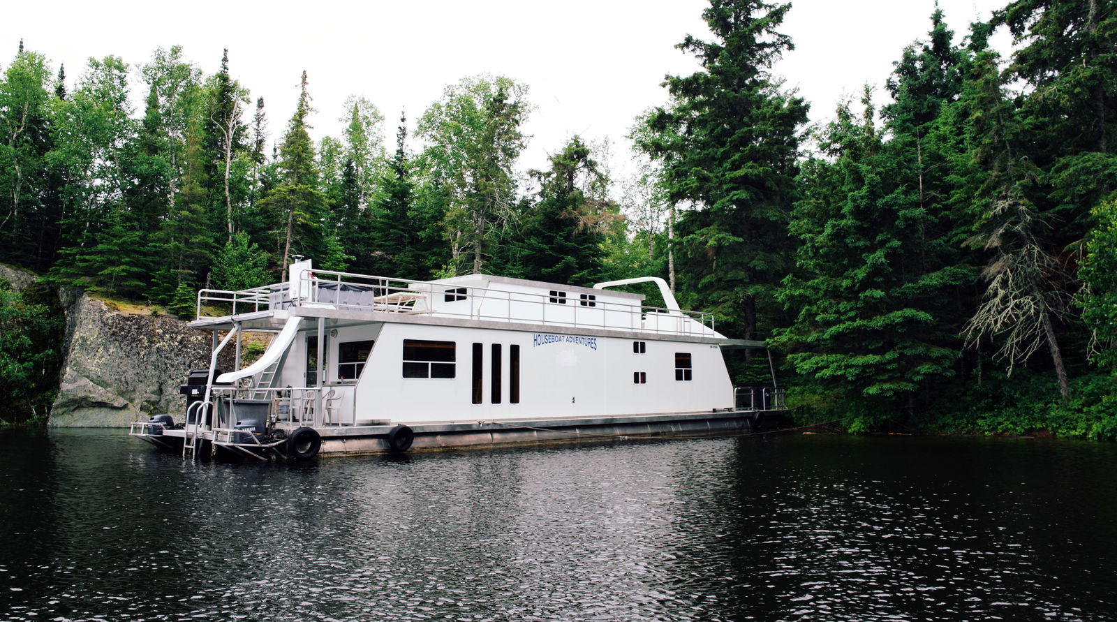 Houseboat Adventures Inc | Sunset Country, Ontario, Canada