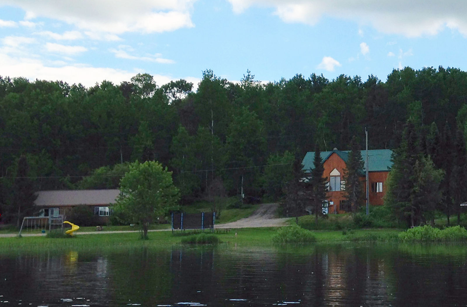 rubgy lake lodge dryden ontario The Benefits When Choosing Cabin Rentals For A Family Getaway