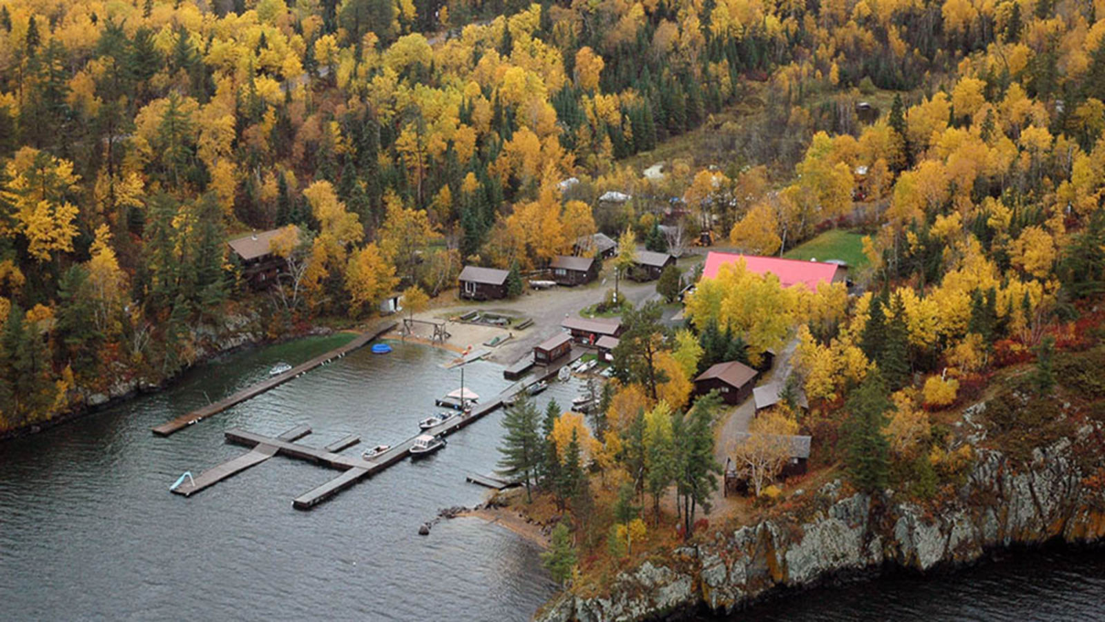 Smith Camps & Old Pilot's Pub | Sunset Country, Ontario, Canada